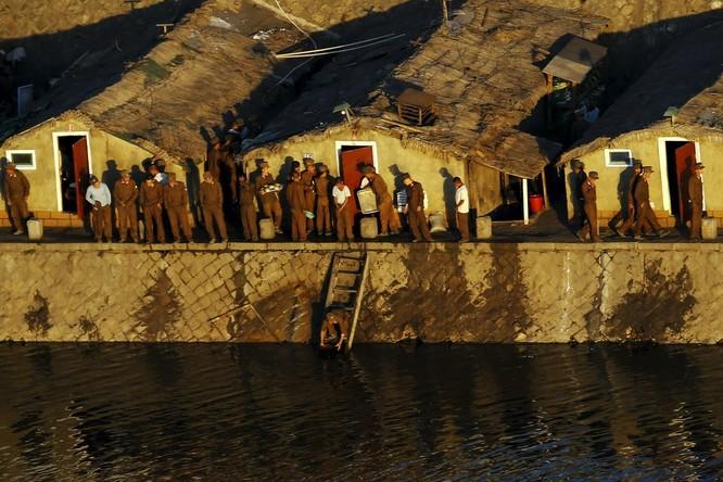 Choáng ngợp trước những công trình hoành tráng của Triều Tiên ảnh 12