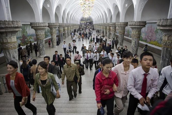 Choáng ngợp trước những công trình hoành tráng của Triều Tiên ảnh 25