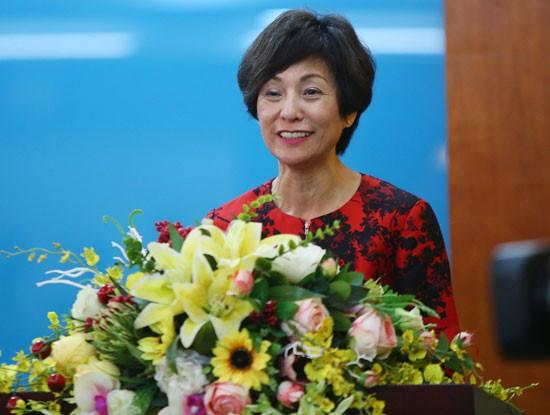 Bà Elizabete Fong, Tổng giám đốc điều hành Vietnamobile