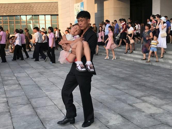 """""""Vén màn"""" cuộc sống đời thường ở Triều Tiên ảnh 1"""