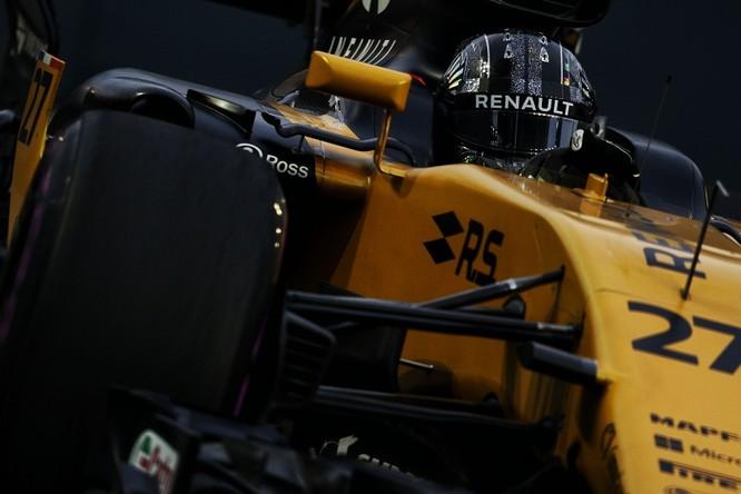 Cận cảnh những cỗ máy bốn bánh nhanh nhất hành tinh tại Singapore Grand Prix ảnh 2