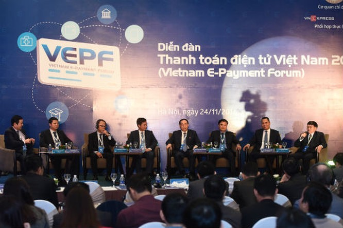 VEPF 2016 thu hút sự quan tâm của 700 quan khách và đưa ra nhiều kiến nghị quan trọng nhằm thúc đẩy thanh toán không dùng tiền mặt ở Việt Nam. Ảnh: VnExpres.