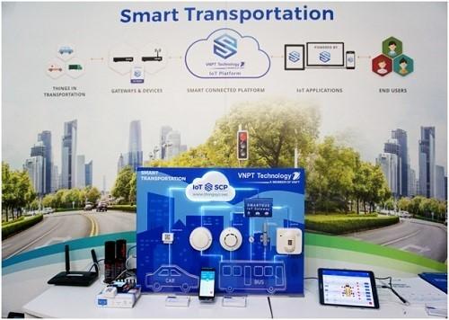Mô hình giải pháp Giao thông thông minh (bao gồm Smart Car và Smart Bus) của VNPT Technology tại IoT Solutions World Congress 2017