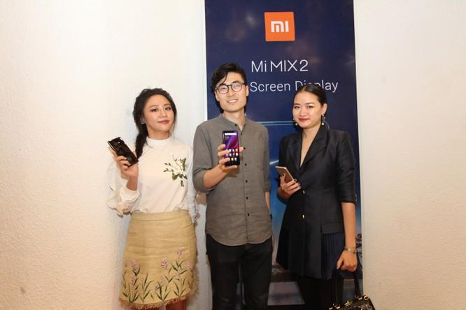 Ra mắt Mi MIX 2 và Redmi Note 5A Prime, giá lần lượt 12,99 triệu đồng và 4,29 triệu đồng ảnh 1