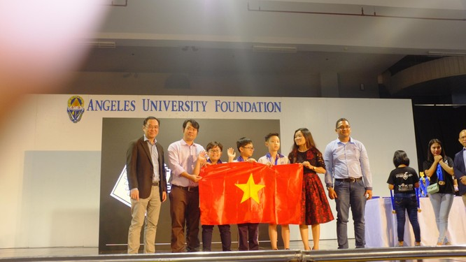 Học sinh tiểu học Đà Nẵng giành giải Nhất tại Ngày hội Robothon Quốc tế 2017 ảnh 1