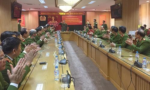 Buổi lễ trao quyết định nghỉ hưu cho thiếu tướng Hồ Sỹ Tiến và Nguyễn Anh Tuấn diễn ra chiều nay tại Bộ Công an.