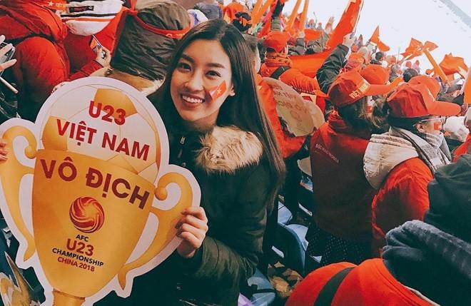 Video Đội tuyển U23 Việt Nam làm thủ tục sân bay để rời Thường Châu về nước ảnh 1