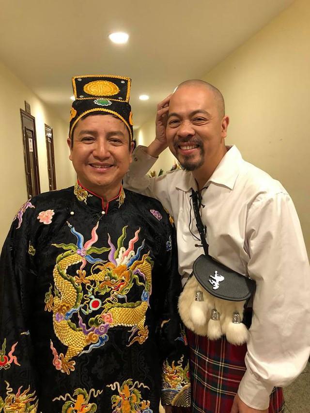Nghệ sĩ Chí Trung và Đức Hùng trong Táo Quân 2018.