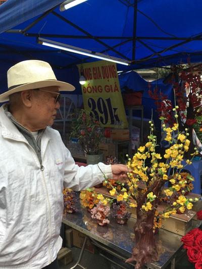 Chợ hoa Hàng Lược nhộn nhịp những ngày cuối năm ảnh 2