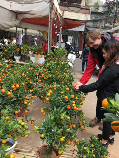 Chợ hoa Hàng Lược nhộn nhịp những ngày cuối năm ảnh 3
