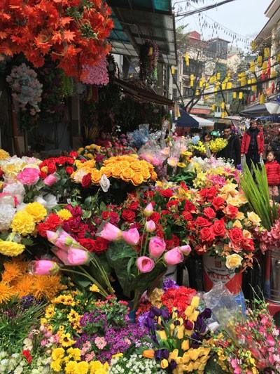 Chợ hoa Hàng Lược nhộn nhịp những ngày cuối năm ảnh 12