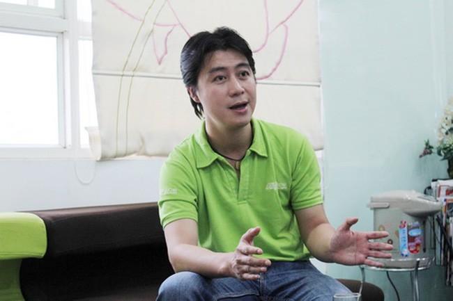 Phan Sào Nam -- Nguyên Chủ tịch một công ty chuyên về game online.