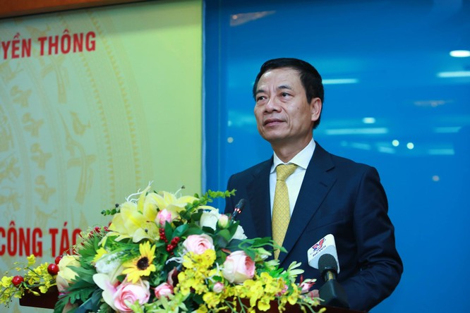 Tướng Nguyễn Mạnh Hùng nhận nhiệm vụ quyền Bộ trưởng Bộ Thông tin và Truyền thông ảnh 1