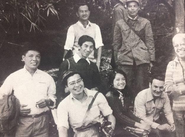 Takano chụp ảnh cùng đoàn phóng viên và các chiến sĩ bảo vệ tại Lạng Sơn. Theo ông Nông Văn Đuổng, bức ảnh được chụp đúng ngày 7-3-1979. Takano là người mặc áo trắng, cầm máy ảnh, ngồi hàng đầu tiên. Ảnh chụp từ cuốn sách về ông Takano được xuất bản tại Nhật Bản