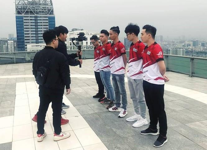 Các đội thi đấu đã có mặt ở Hà Nội một vài ngày trước thời điểm dự định diễn ra giải đấu. Ảnh: Fanpage game PUBG, đăng ngày 15/3.