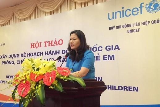 Thứ trưởng Nguyễn Thị Hà phát biểu tại hội thảo