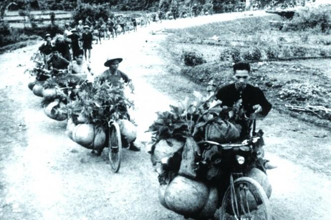 Phần 2: Máy bay Pháp thua đôi bồ dân công và xe đạp thồ Việt Nam ảnh 1