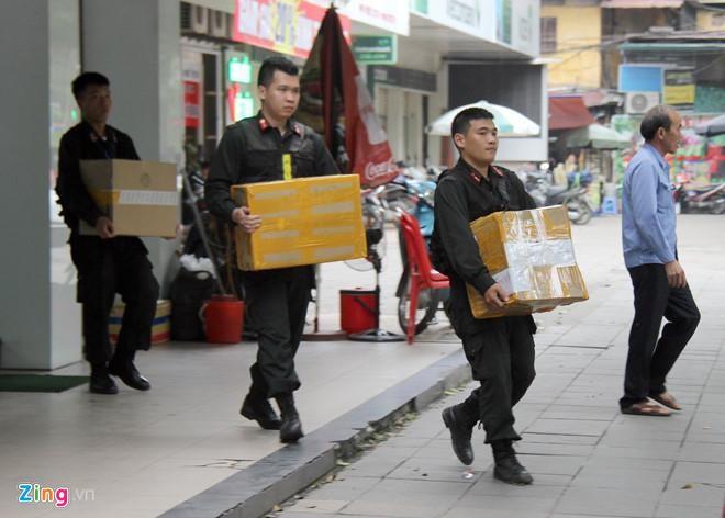 Thieu tuong Le Van Cuong: Co the Nhat Cuong Mobile da duoc 'bao ke' hinh anh 2