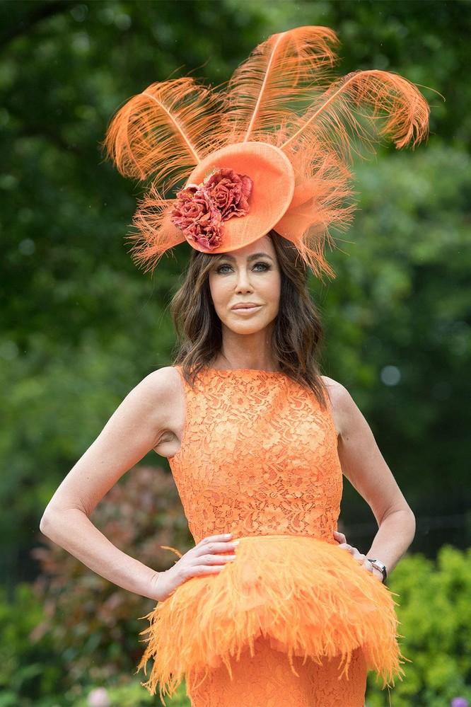 Những chiếc mũ gây ấn tượng nhất từ Royal Ascot 2019 ảnh 13
