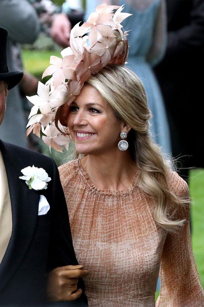 Những chiếc mũ gây ấn tượng nhất từ Royal Ascot 2019 ảnh 2
