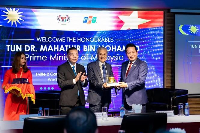 Thủ tướng Malaysia thăm FPT, chia sẻ kinh nghiệm chuyển đổi số thành công ảnh 1