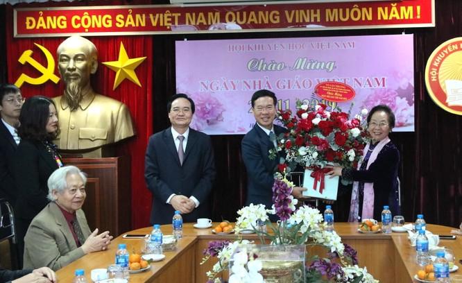 Trưởng ban Tuyên giáo Trung ương thăm nguyên lãnh đạo ngành giáo dục ảnh 1