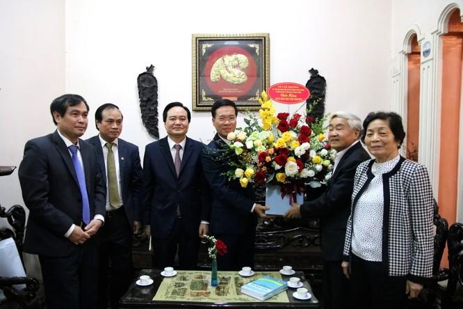 Trưởng ban Tuyên giáo Trung ương thăm nguyên lãnh đạo ngành giáo dục ảnh 2