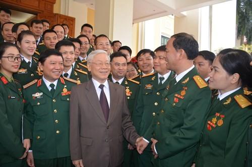 Tổng Bí thư Nguyễn Phú Trọng trong một cuộc gặp mặt các đại biểu ưu tú thanh niên quân đội