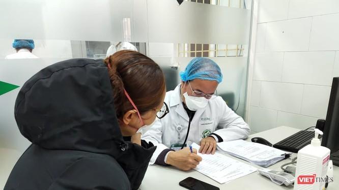 Thủ tướng đề nghị tăng chi cho người cách ly, bác sĩ phục vụ chống dịch COVID-19 ảnh 1