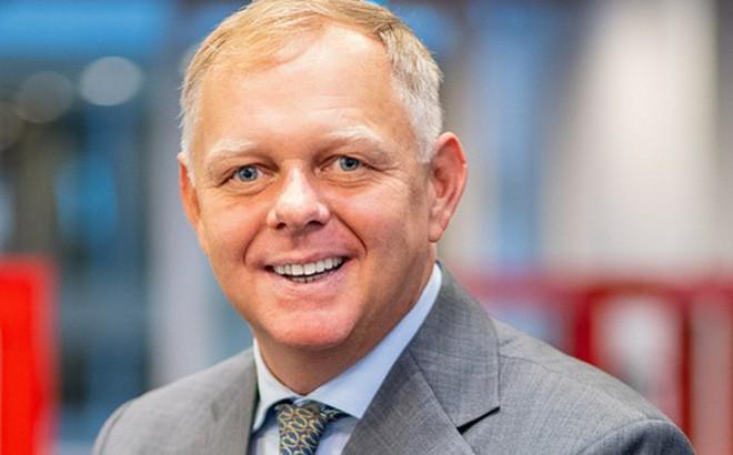 Tiến sĩ Burkhard Schrage, Chủ nhiệm bộ môn Quản trị tại Khoa Kinh doanh và Quản trị đồng thời là giảng viên chương trình MBA và Thạc sĩ Thương mại Toàn cầu (Master of Global Trade)