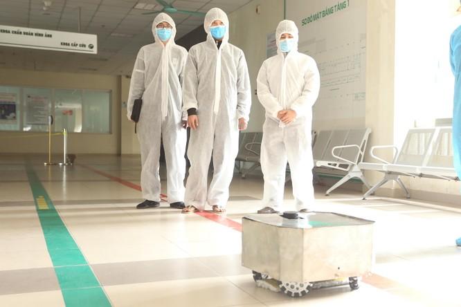 """Nhà khoa học Việt """"thai nghén"""" robot trong 2 tuần, giúp giảm tối đa nguy cơ lây nhiễm chéo ảnh 1"""
