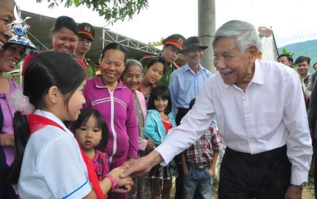 Nguyên Tổng Bí thư Lê Khả Phiêu - Nhà lãnh đạo tâm huyết và xuất sắc của Đảng ảnh 1