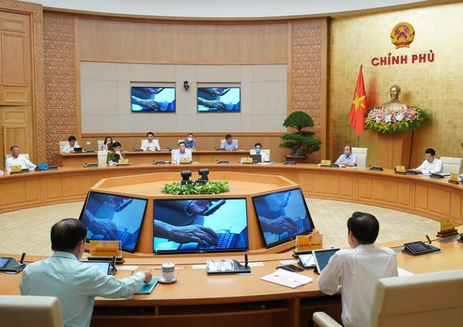 Thủ tướng Nguyễn Xuân Phúc báo động 8 bộ, 25 tỉnh về dịch vụ công trực tuyến mức 4 ảnh 1