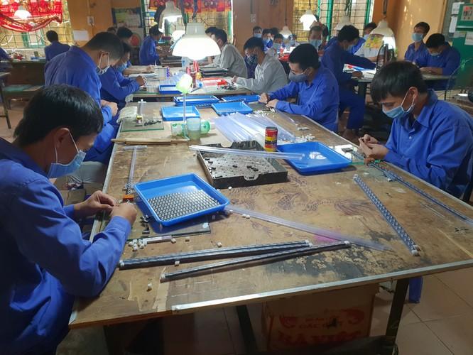 Các học viên tham gia lao động, sản xuất. Ảnh: UBQG phòng, chống AIDS và phòng, chống tệ nạn ma túy, mại dâm.
