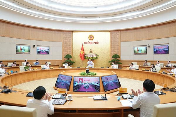 Thủ tướng Nguyễn Xuân Phúc chủ trì hội nghị trực tuyến của Ủy ban Quốc gia về Chính phủ điện tử với các Ban chỉ đạo xây dựng Chính phủ điện tử/ chính quyền điện tử của các bộ, ngành, địa phương. Ảnh: VGP.
