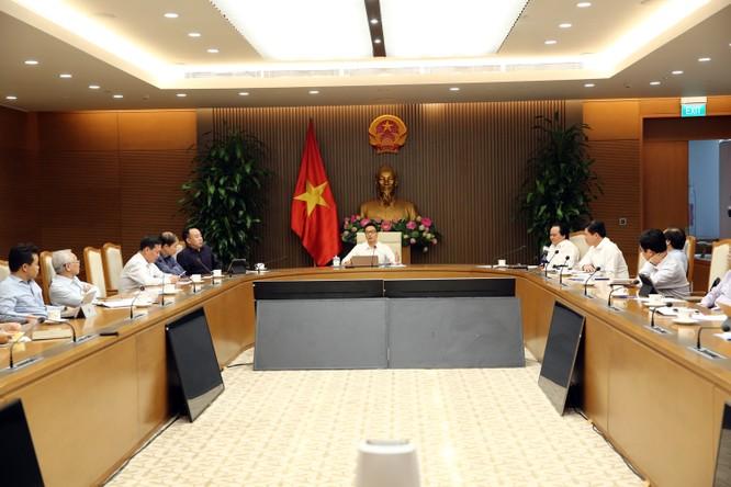 Bộ trưởng Bộ GD&ĐT Phùng Xuân Nhạ: Sẽ mở rộng kênh phản biện SGK từ bản thảo ảnh 1