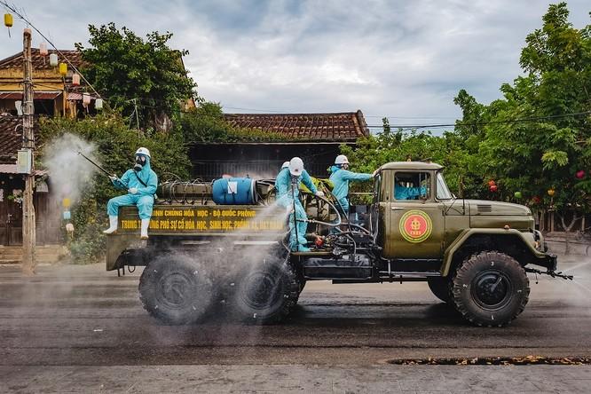 Hình ảnh Việt Nam kiên cường chống COVID-19 xuất hiện tại Quảng trường Thời Đại - Hoa Kỳ ảnh 5