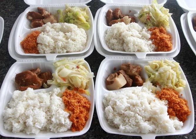 Chùm ảnh: Cận cảnh suất ăn cho người cách ly tập trung ở Vân Đồn ảnh 3