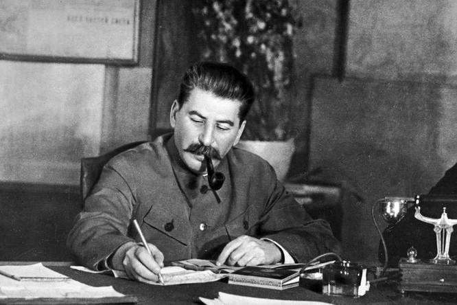 Stalin từng muốn chọn Panteleimon Ponomarenco làm người kế nhiệm ảnh 1