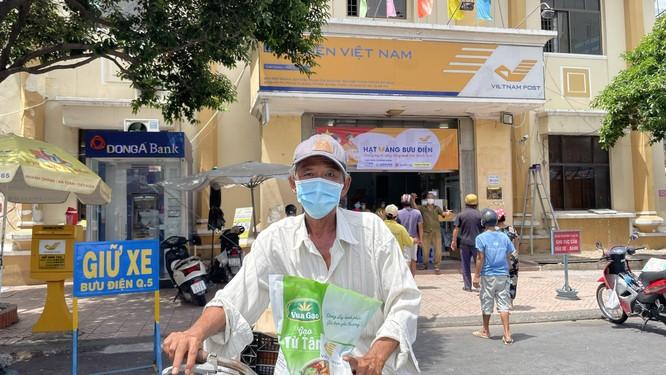 Phát 700 tấn gạo ngon hỗ trợ 233 ngàn người dân gặp khó khăn tại TP.HCM và 5 tỉnh ảnh 17