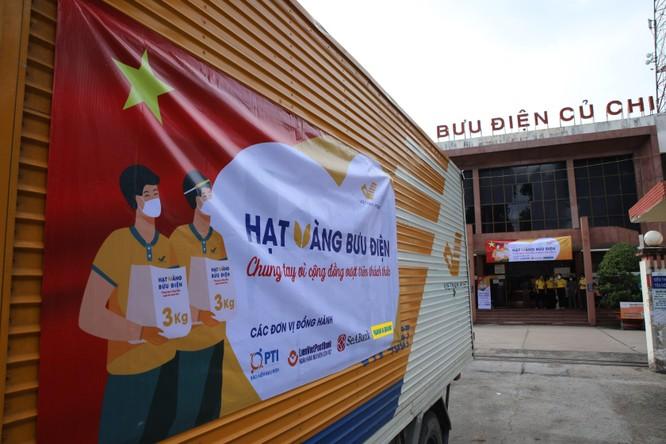 Phát 700 tấn gạo ngon hỗ trợ 233 ngàn người dân gặp khó khăn tại TP.HCM và 5 tỉnh ảnh 10