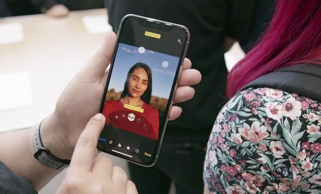 Tại sao bạn nên chọn iPhone X thay vì iPhone 8? ảnh 4