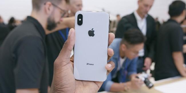 Tại sao bạn nên chọn iPhone X thay vì iPhone 8? ảnh 6