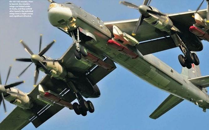 Máy bay ném bom chiến lược Tu-95 mang tên lửa hành trình tầm xa Kh-101 nhiều lần tham gia tiêu diệt phiến quân tại Syria