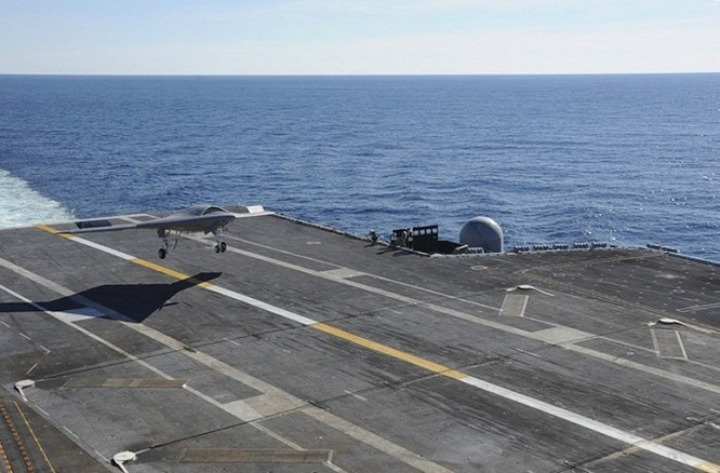 Vũ khí nào giúp tàu sân bay Mỹ đánh bại Trung quốc? ảnh 1