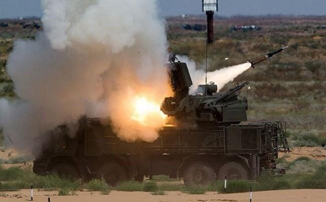 """Uy lực """"quái vật"""" Pantsir Nga đập tan tấn công ồ ạt tại Syria ảnh 1"""