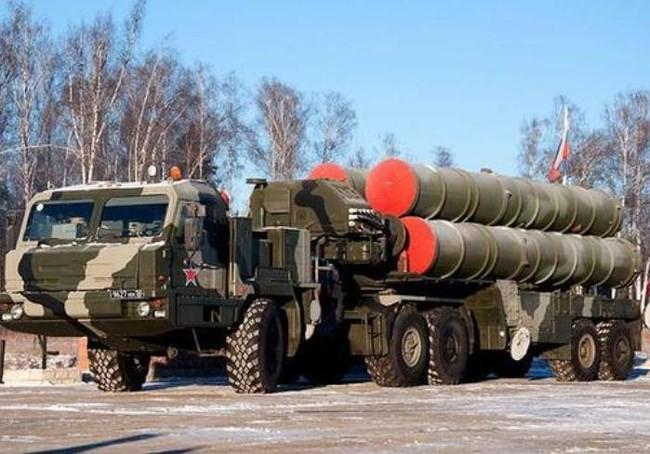 Sau tàu Kilo, xe tăng T-90, báo Nga nói Việt Nam sắp mua S-400 ảnh 2