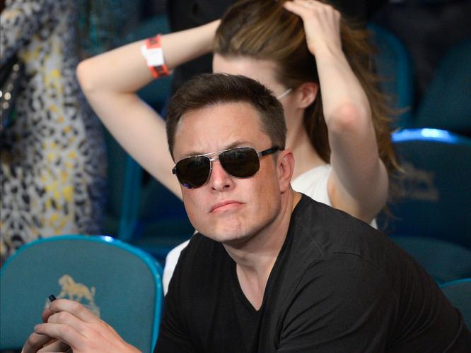 Cuộc đời không thể tin nổi của Elon Musk, một cậu bé thường xuyên bị bắt nạt ảnh 3