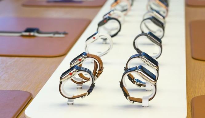 iPhone 8/ iPhone 8 Plus chính thức bán ra: nụ cười trên gương mặt người mua ảnh 7