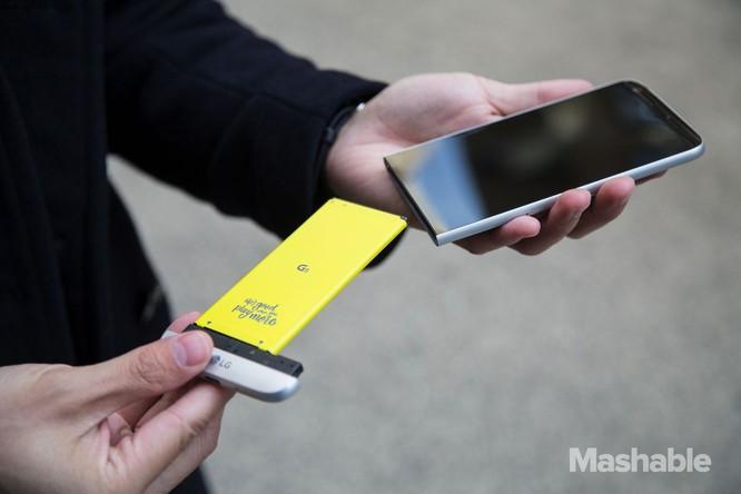 Smartphone sẽ không bao giờ có pin tháo rời nữa ảnh 1
